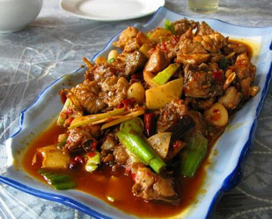 永平黄焖鸡的做法_色香味俱全古城外大理14钟美食 - 金玉米